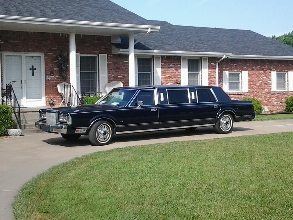Lincoln Town Car Limousines For Sale
