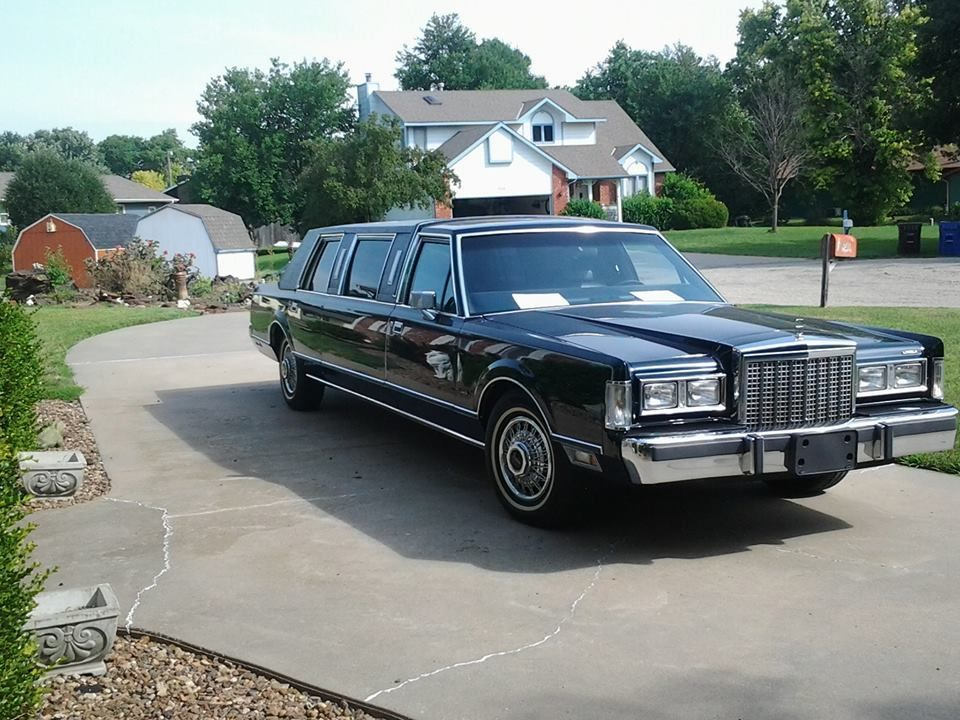 1987 Lincoln Town Car Upscale Luxury Limousine For Sale