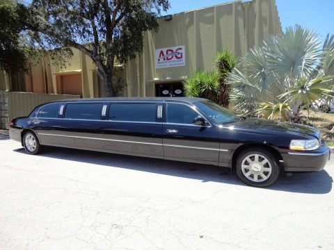 2008 Lincoln Town Car Dabryan 120″ LIMOUSINE for sale