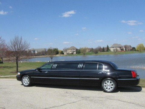 2011 Lincoln Town Car Dual Long Door 76″ Stretch Limo for sale