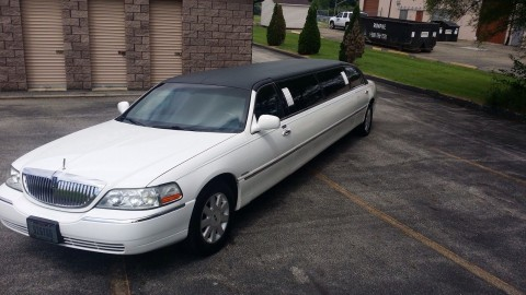 2003 Lincoln Town Car 5th door Krystal limousine for sale