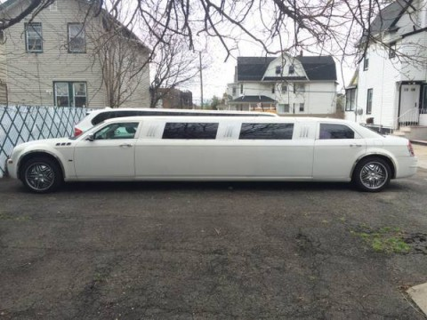 2005 Chrysler 300C Limousine 140 Stretch with Hemi for sale