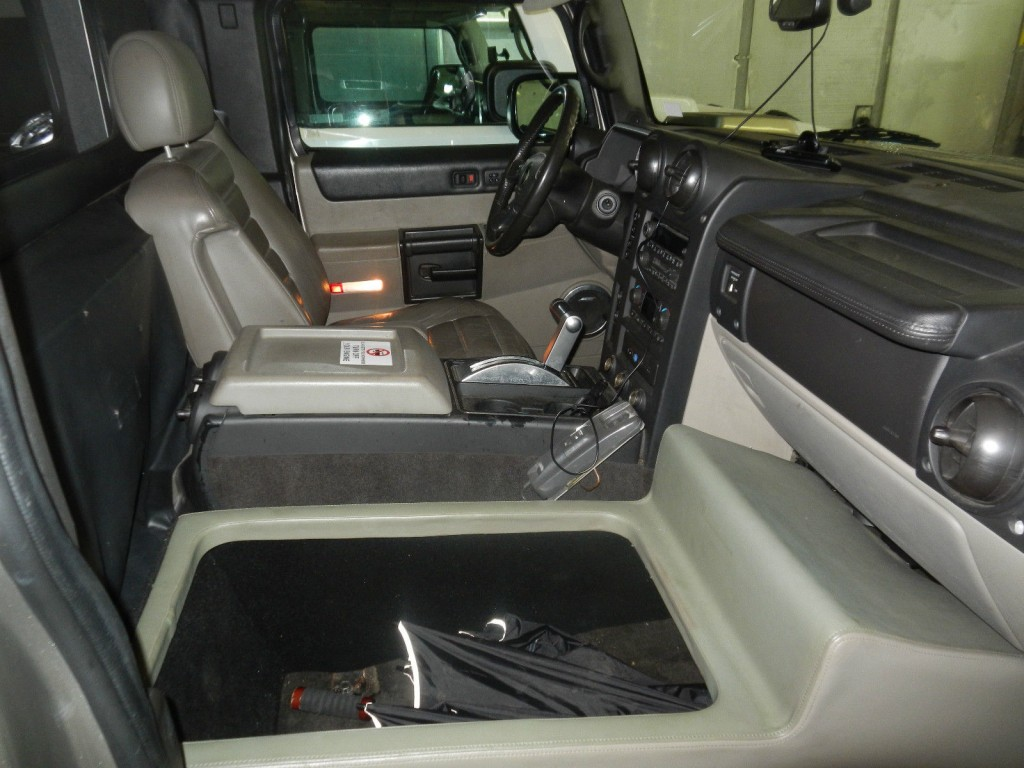 2005 Hummer H2 Krystal Coach 200″ Stretch Limousine