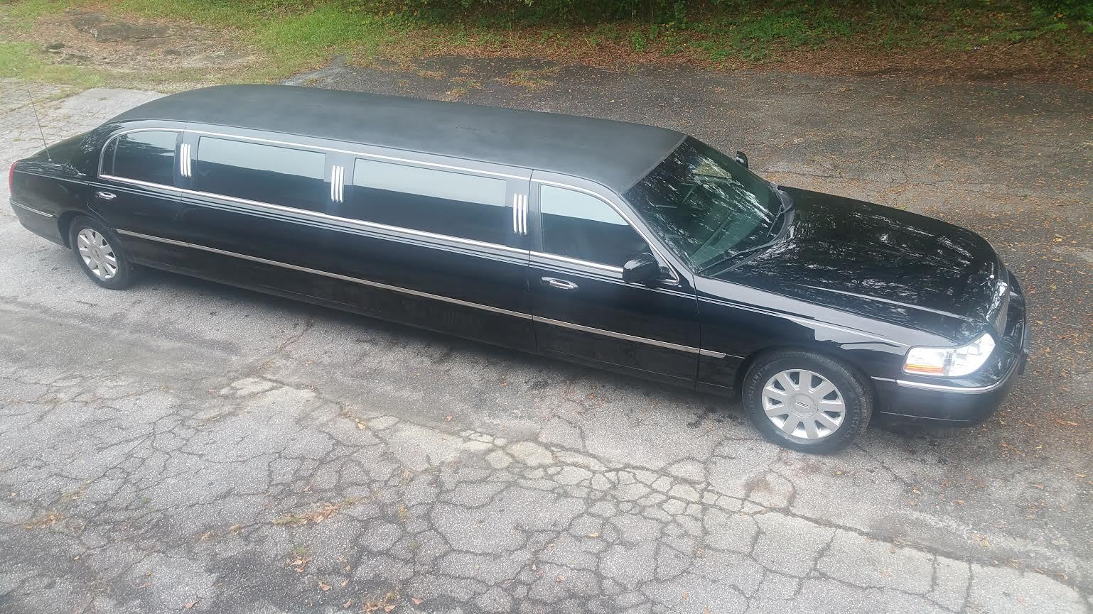 2005 lincoln town car executive l limousine for sale. Black Bedroom Furniture Sets. Home Design Ideas
