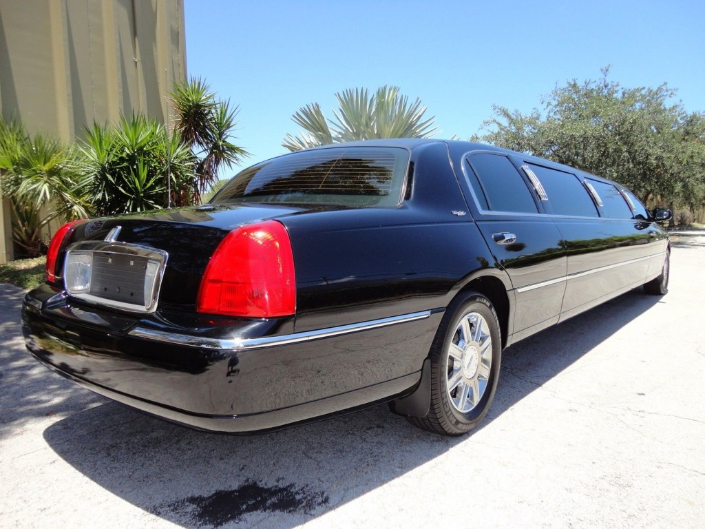 2008 lincoln town car dabryan 120 limousine for sale. Black Bedroom Furniture Sets. Home Design Ideas