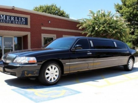 2005 Lincoln Town Car 6 PAX LIMO Executive Seating WITH 2 BARS for sale