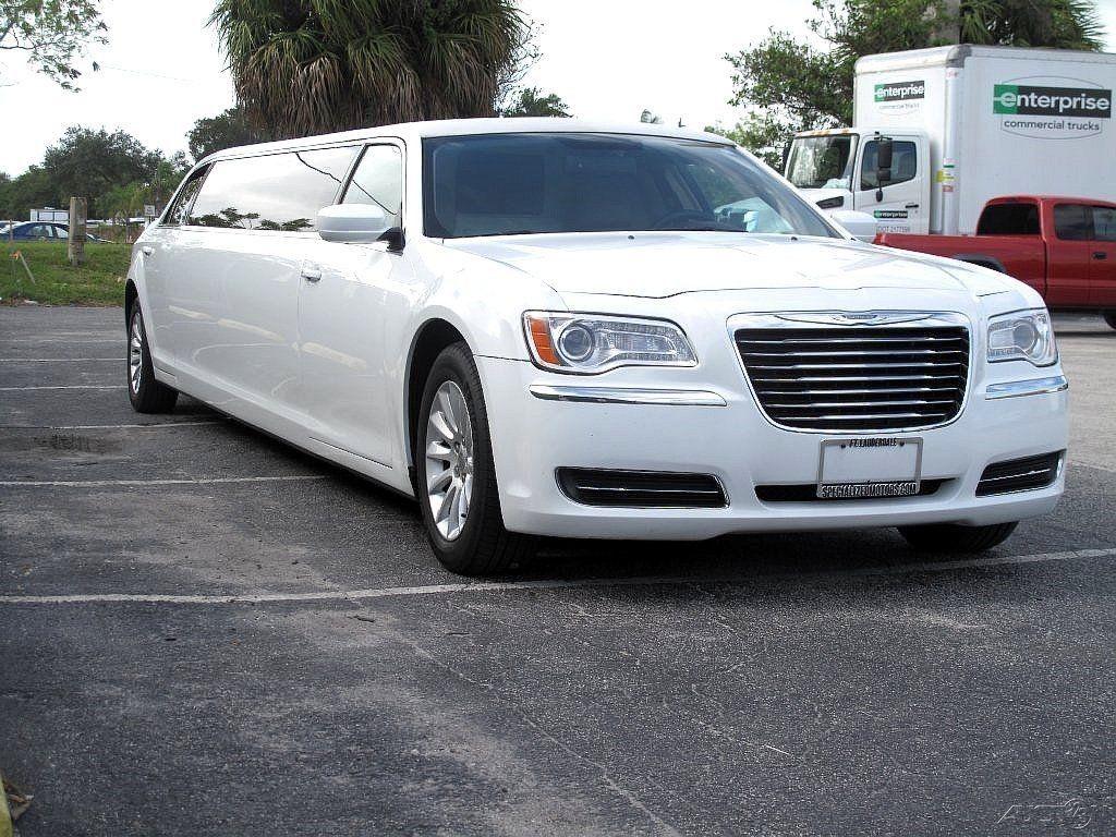2011 chrysler 300 limousine white for sale. Black Bedroom Furniture Sets. Home Design Ideas