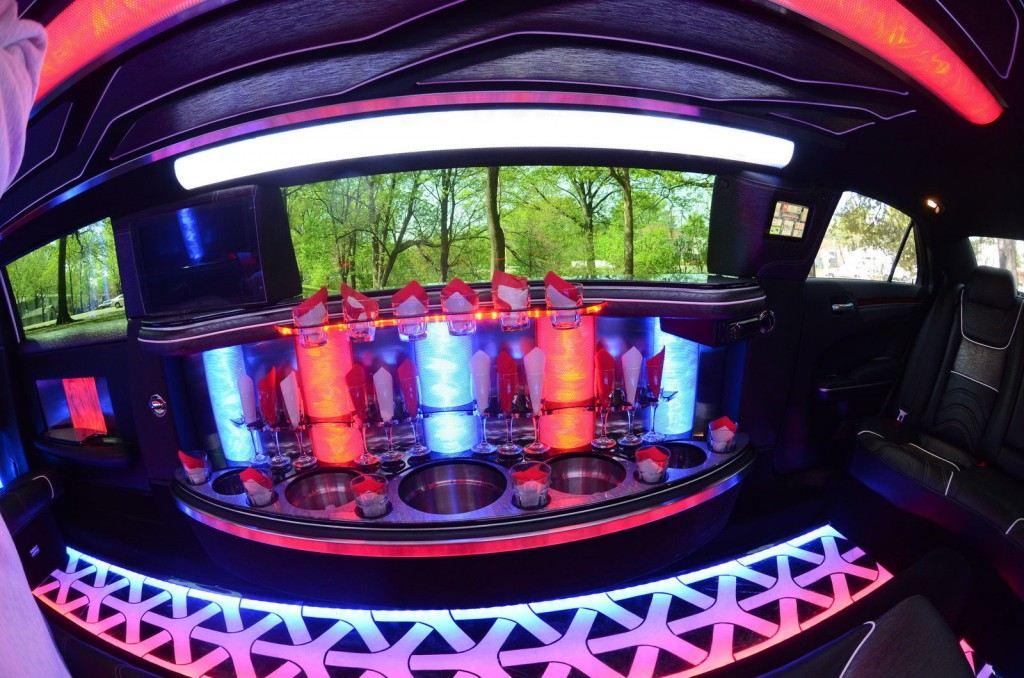 300 Chrysler limousine sale #3