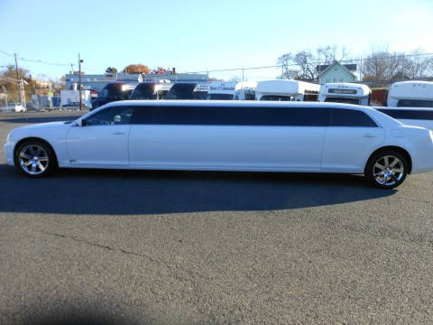 2014 Chrysler 300 Limousine 140″ SPV 10 Pax Limo for sale