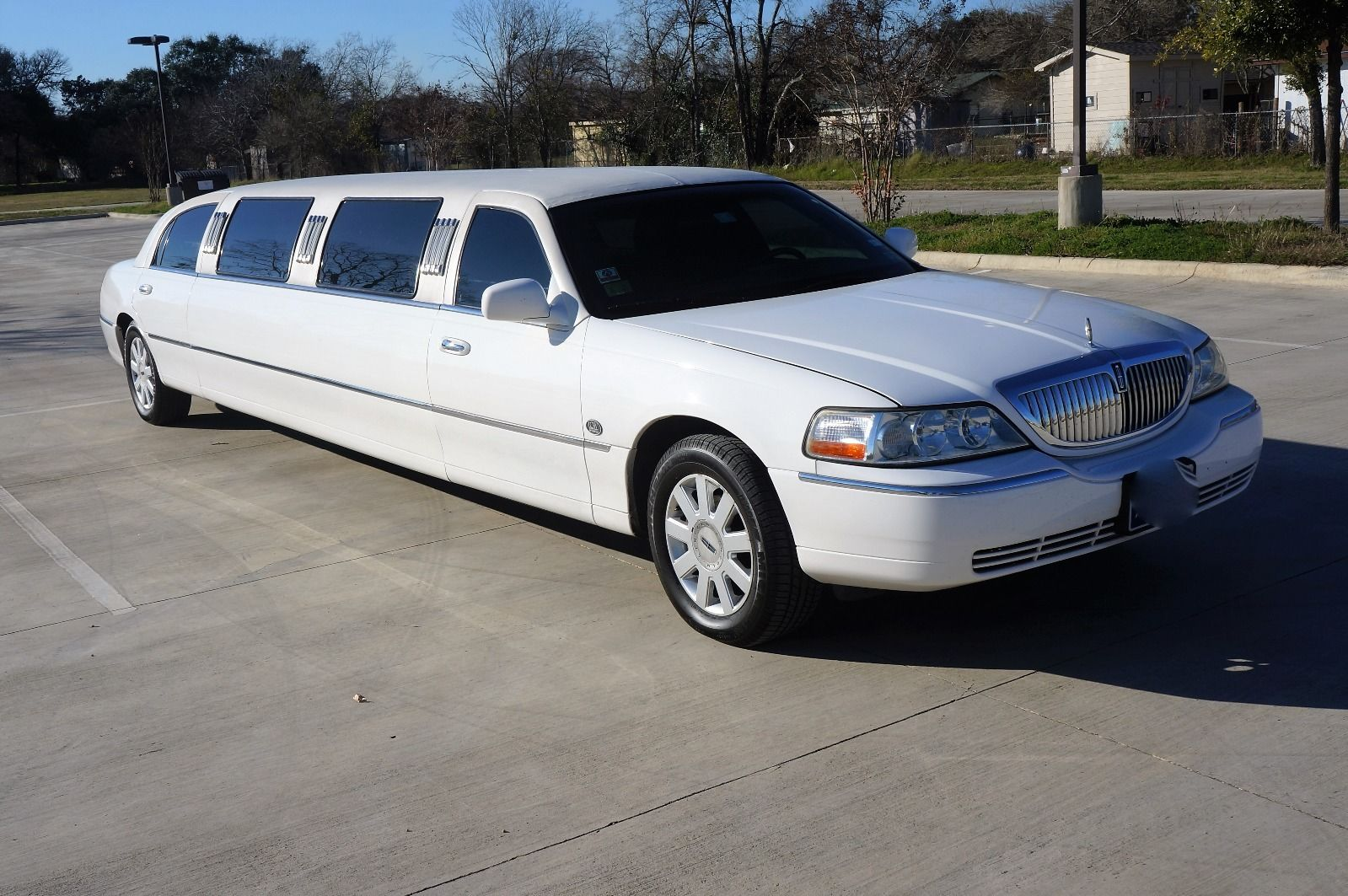 White Lincoln Sedan Stretch Limo Limousines For Sale