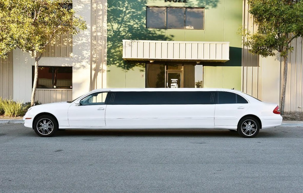 2007 mercedes benz stretched 120 limousine for sale for Mercedes benz limo for sale