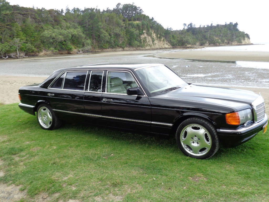 Mercedes benz s class carat by duchatelet limousine w126 for Mercedes benz limo