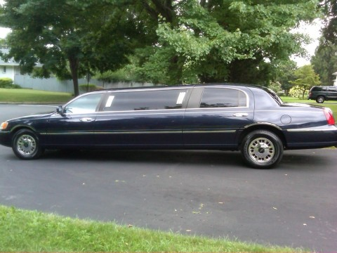 1999 Lincoln Town Car 6 Passenger Limousine for sale