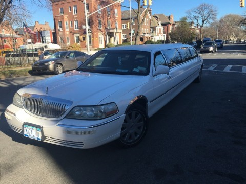 2003 Lincoln Town Car 120″ Limousine for sale