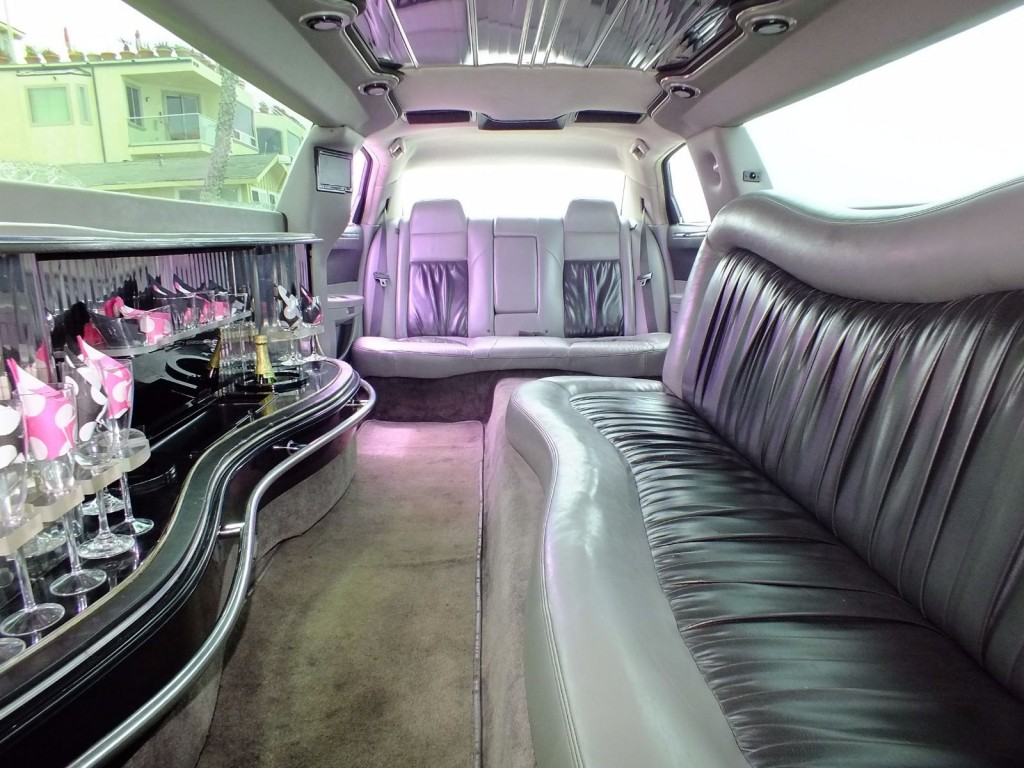 2006 Chrysler 300 (10 Passenger) Limousine