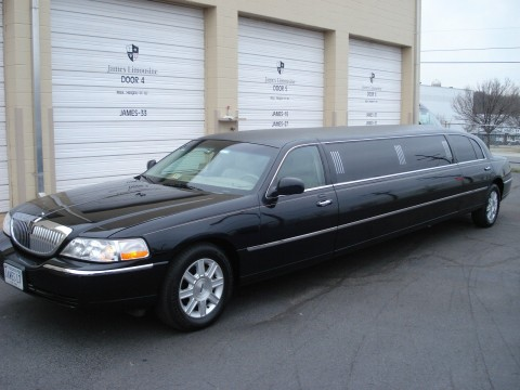 2010 Lincoln Town Car 120″ Stretch Limousine for sale