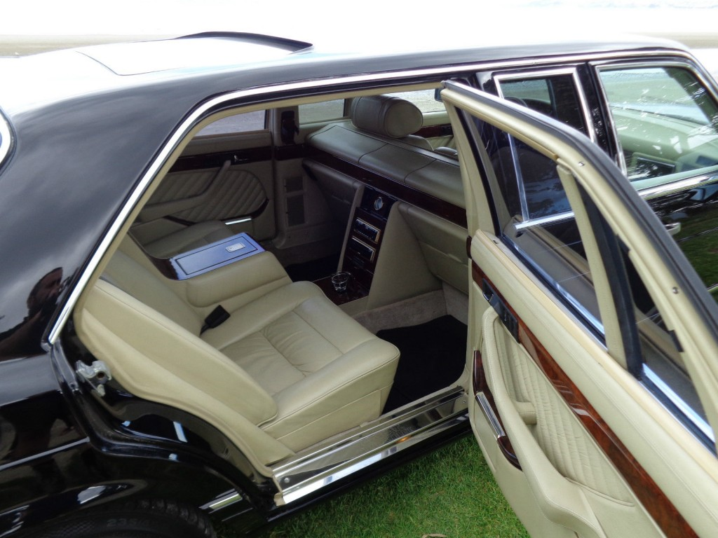 Mercedes Benz 560SEL Carat by Duchatelet Limousine w126