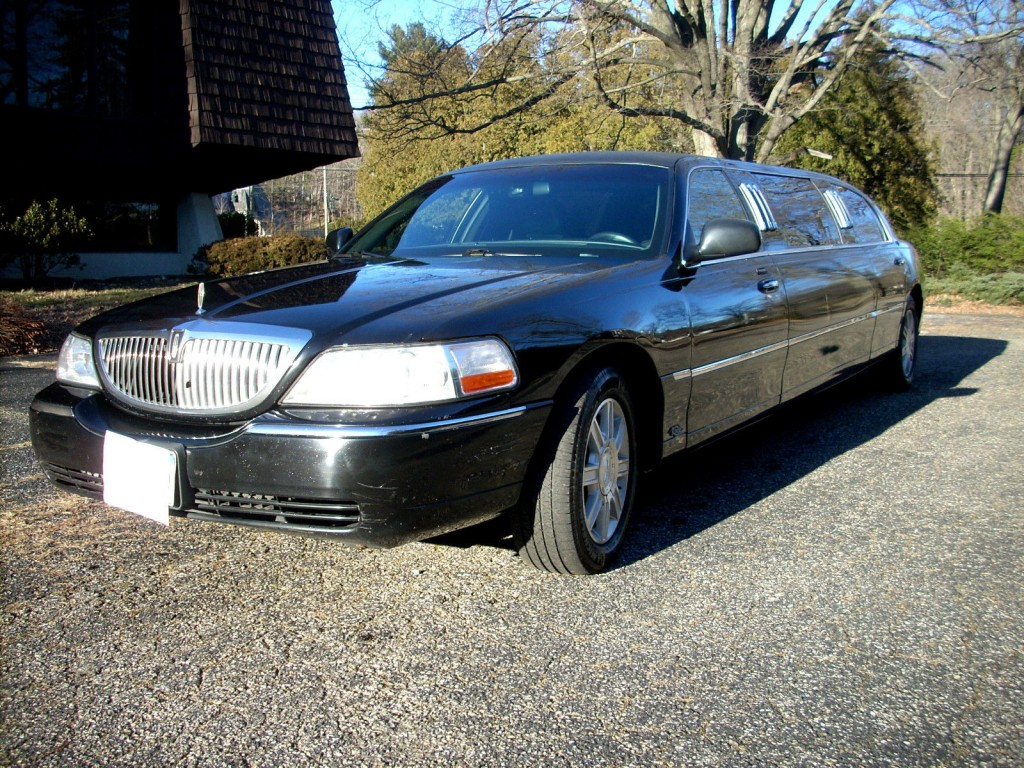 2007 lincoln town car 70 stretch limousine 6 pass for sale. Black Bedroom Furniture Sets. Home Design Ideas