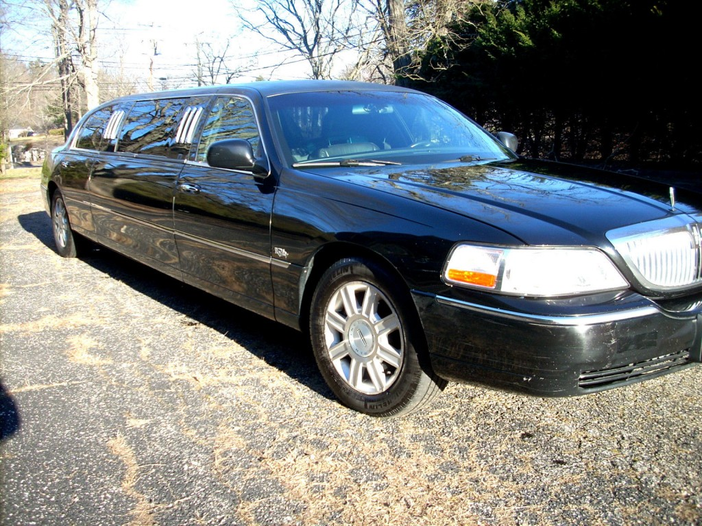 Lincoln Town Car Stretch Limousine Pass For Sale X