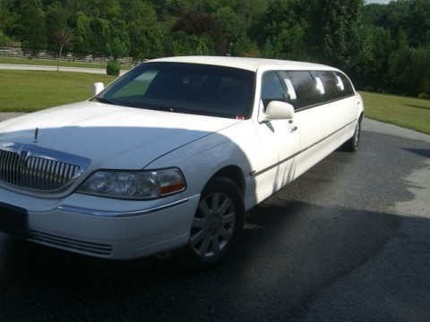2003 Lincoln Town Car 10 pass Limo for sale