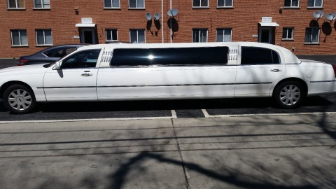 2006 Lincoln Town Car Stretch Limousine for sale