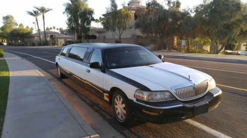 2006 Lincoln Town Car Tuxedo Stretch Limo for sale
