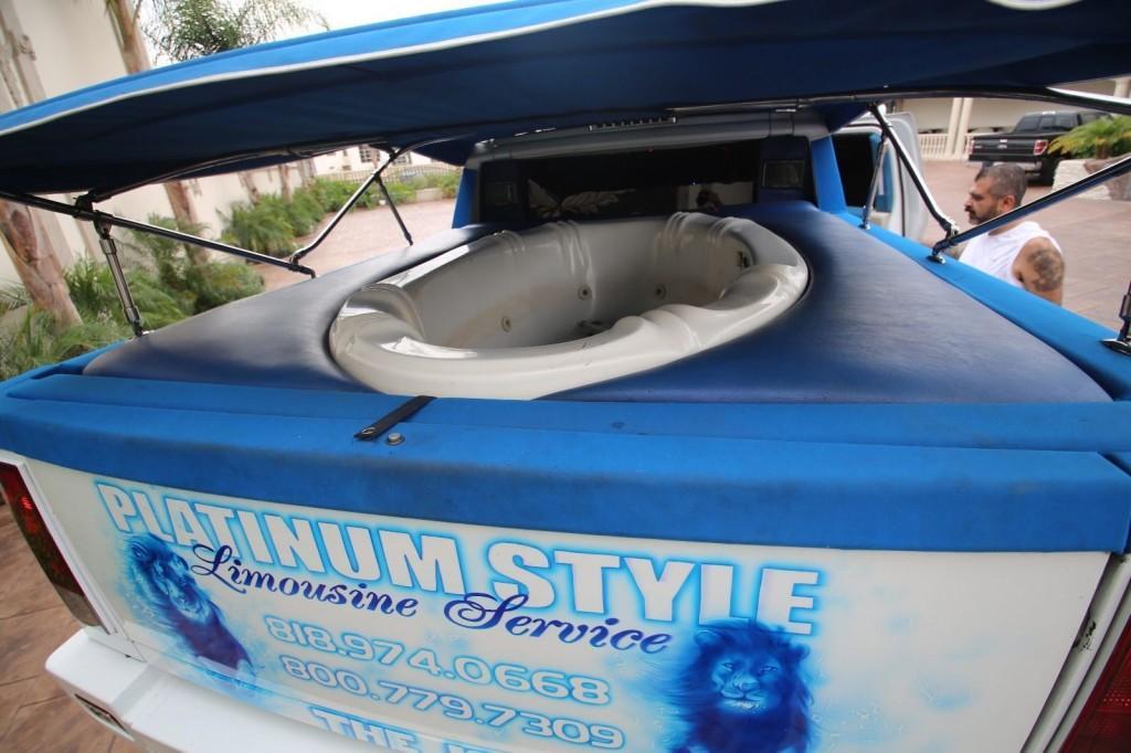2005 Hummer H2 Limousine