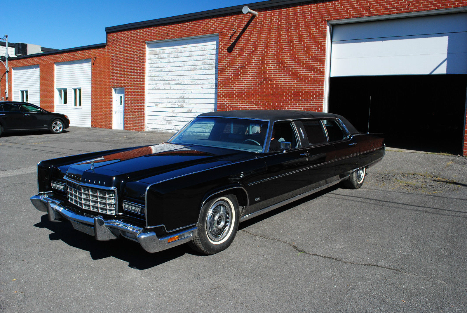 1973 lincoln continental limousine by moloney for sale. Black Bedroom Furniture Sets. Home Design Ideas