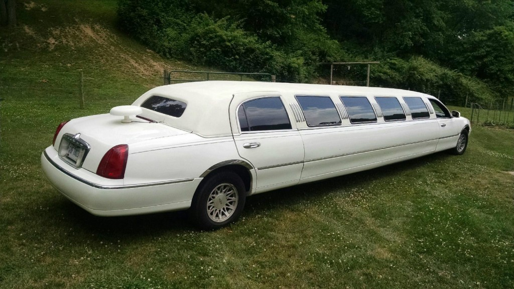 1999 Lincoln Town Car Limousine For Sale