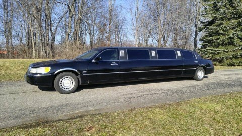2000 Lincoln Town Car Limousine for sale
