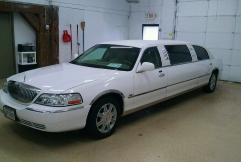 2006 Lincoln Town Car Signature Limousine for sale