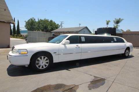 2007 Lincoln Town Car Limousine for sale