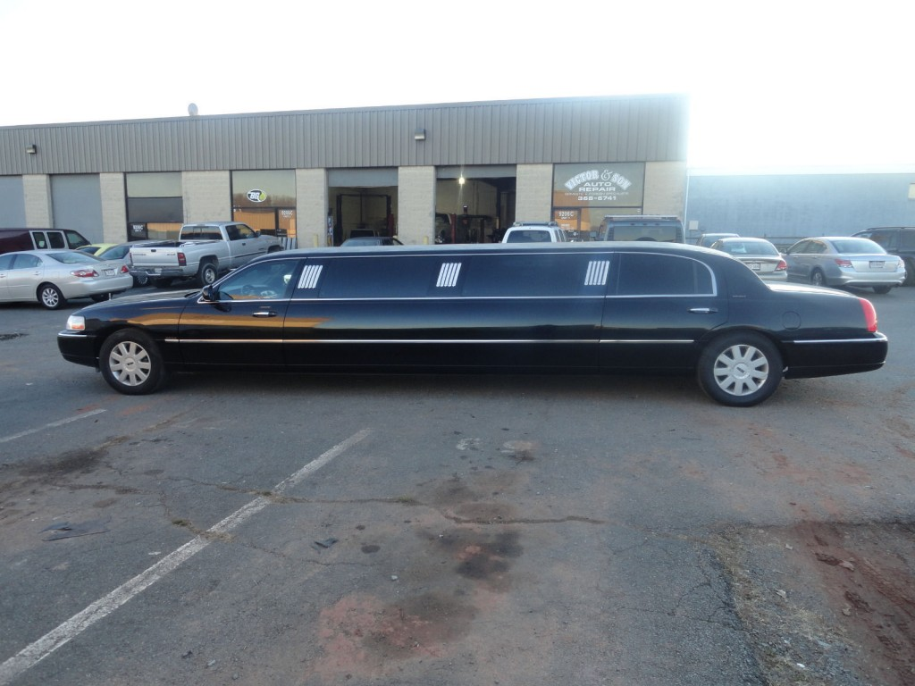 Lincoln Town Car Limousine For Sale