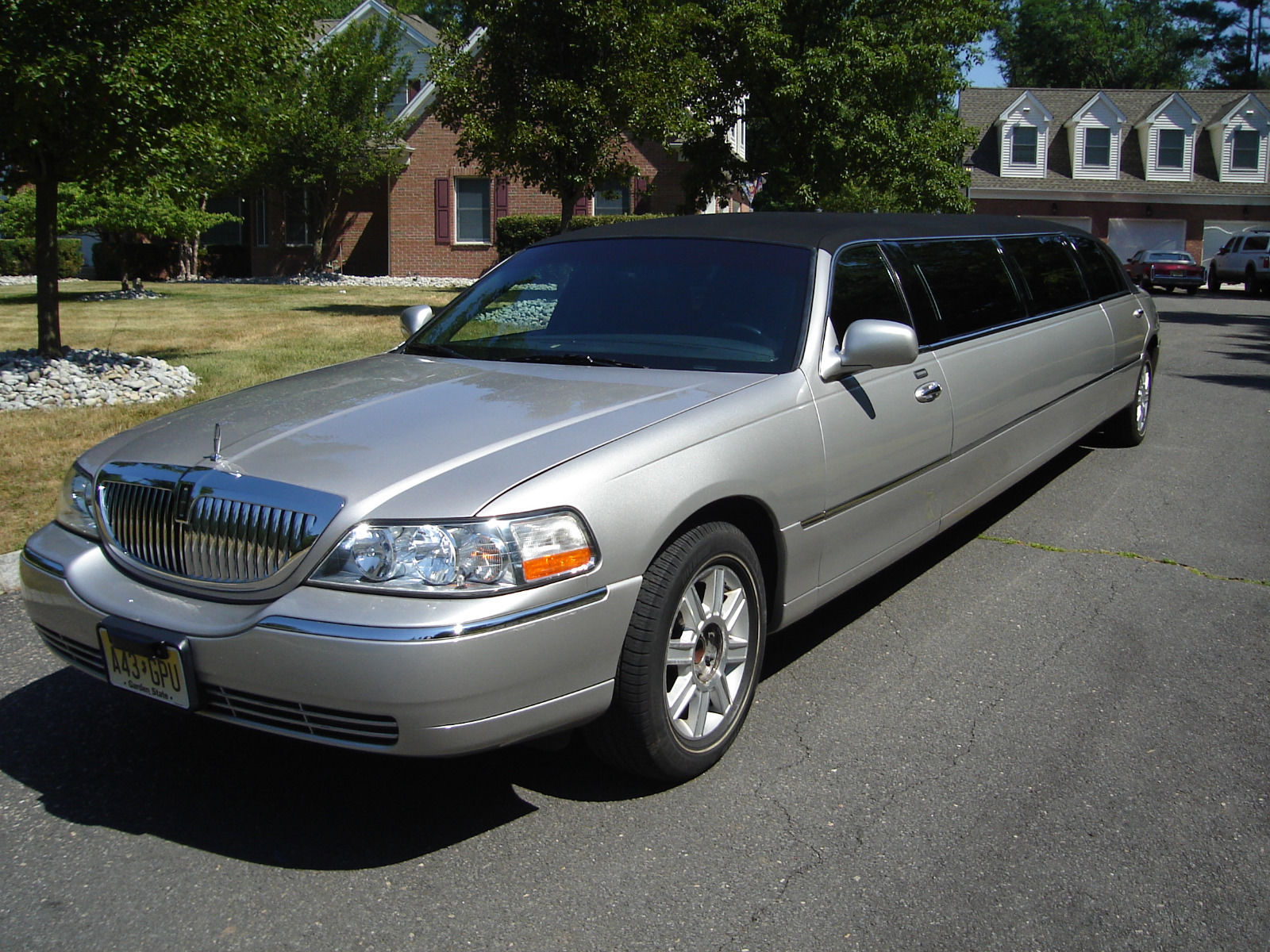 2011 lincoln town car limousine for sale. Black Bedroom Furniture Sets. Home Design Ideas