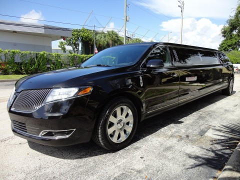 2013 Lincoln MKT 120″ ECB LIMOUSINE for sale