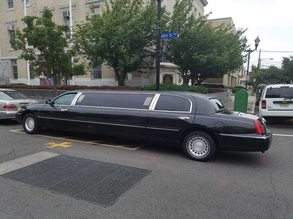 Lincoln Town Car Limousine Sale