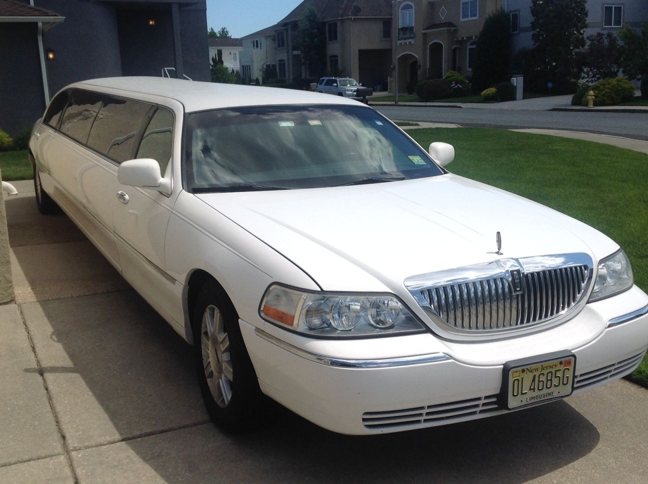 great condition 2011 lincoln town car limousine for sale. Black Bedroom Furniture Sets. Home Design Ideas