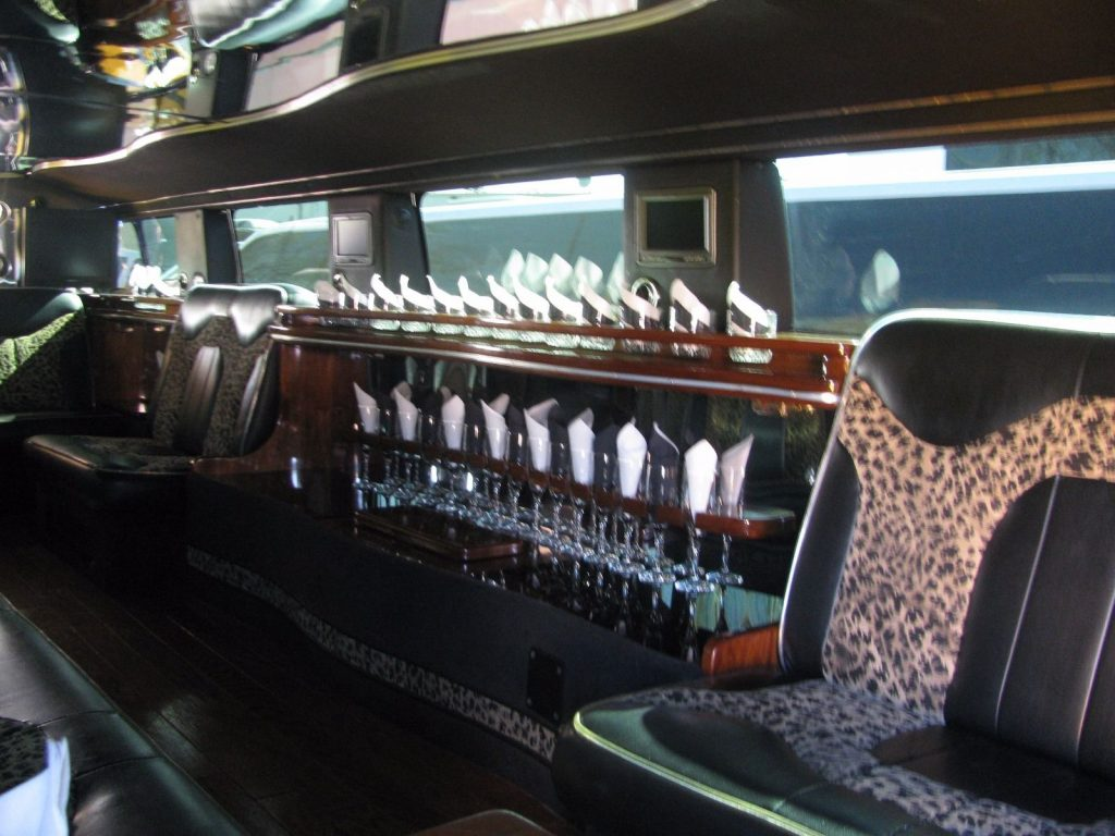Mirrored ceiling 2003 Hummer H2 limousine