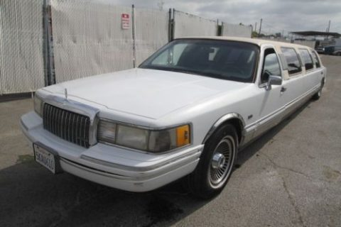Surface rust 1991 Lincoln Town Car Executive limousine for sale