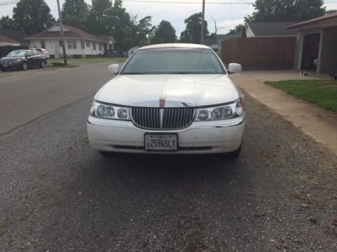Tinted windows 2000 Lincoln Town Car limousine for sale