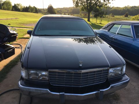 never damaged 1994 Cadillac Fleetwood Limousine for sale