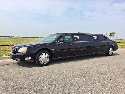 great ride 2000 Cadillac DeVille limousine for sale