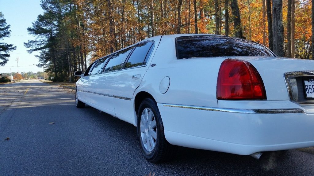 LED lights 2003 Lincoln Town Car limousine