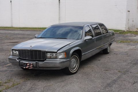 no issues 1995 Cadillac Brougham STRETCH limousine for sale