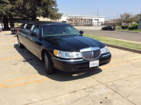 rust free 1999 Lincoln Town Car Limousine for sale