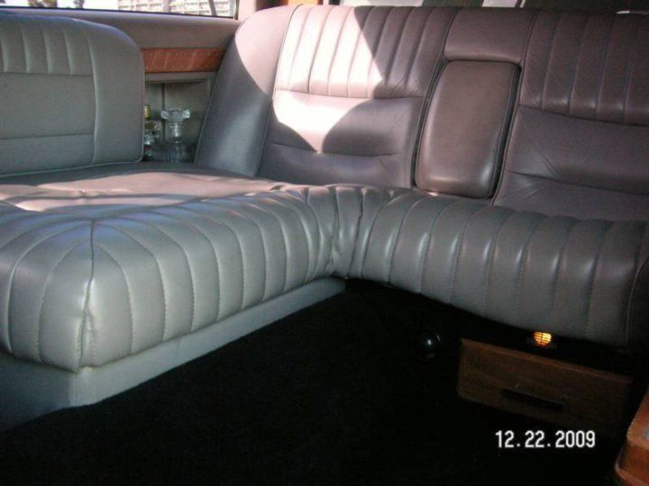 Smooth Running Lincoln Town Car Limousine For Sale