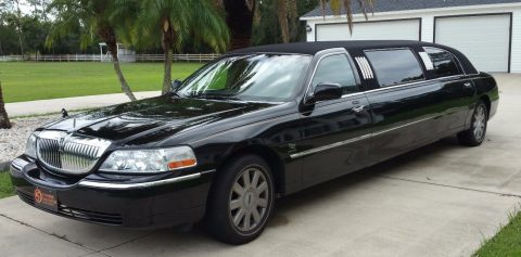 great shape 2005 Lincoln Town Car limousine for sale
