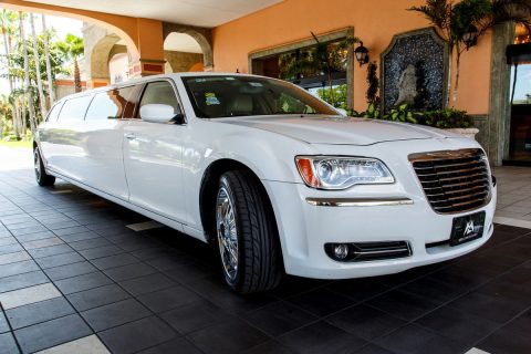 like new condition 2016 Chrysler 300 Series limousine for sale