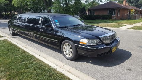 needs nothing 2010 Lincoln Town Car limousine for sale