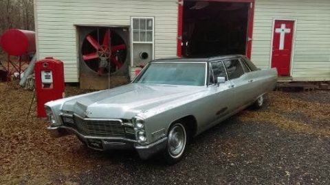 needs towing 1968 Cadillac Fleetwood Limousine for sale
